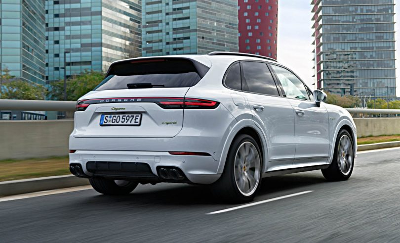 neuer porsche cayenne mit plug in hybrid electrified. Black Bedroom Furniture Sets. Home Design Ideas